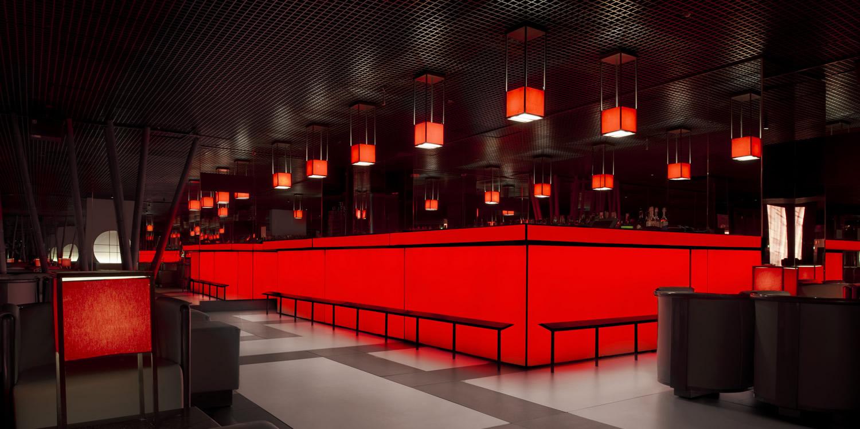 Armani prive discoteca milano for Club esclusivi milano